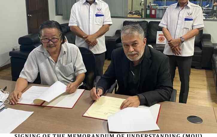 MOU signing between Layang Layang and Silver Kris Sdn Bhd